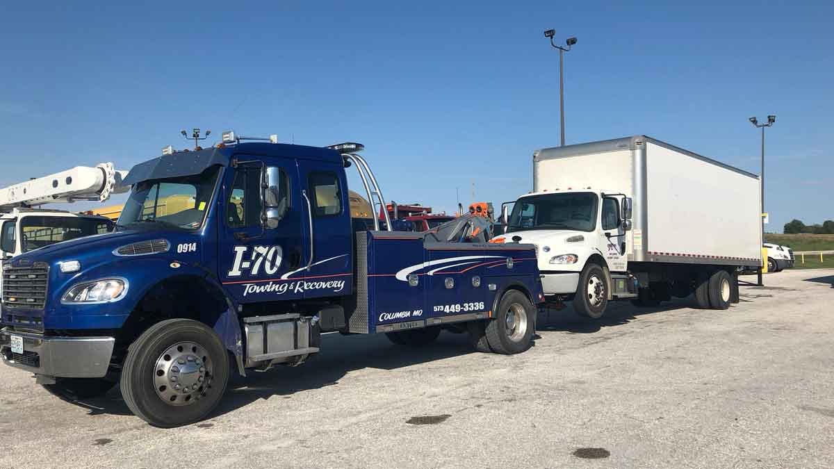 I 70 Towing >> Heavy Truck Towing I 70 Columbia Mid Mo Heavy Towing Service